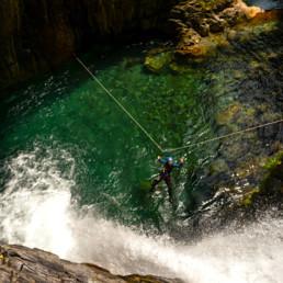 Canyon de l'Artigue tyrolienne speleo ariege