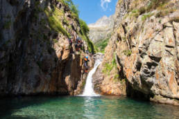 canyoning saut eau montagne plein airroche