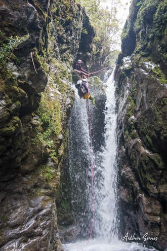 curtis creek rappel canyoning nouvelle zélande